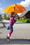 Amusement avec le parapluie Images libres de droits