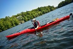 Amusement dans un kayak Photo stock