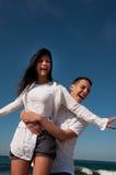 amusement de couples de plage ayant Images stock