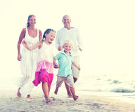 Amusement de famille de plage d'été Images libres de droits