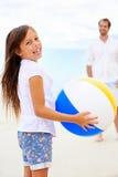 Amusement de plage de famille Photo stock
