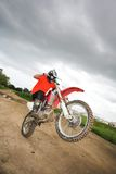 Amusement sur le vélo de motocross photos libres de droits