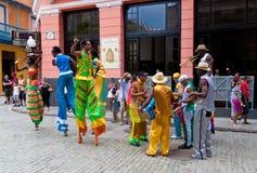 Amuseurs de rue à vieille La Havane le 2 octobre Image libre de droits