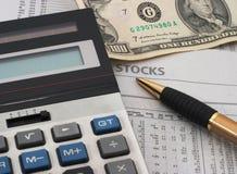 Análise de dados do mercado de valores de acção, dinheiro Fotografia de Stock Royalty Free
