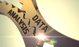 Análise de dados nas engrenagens douradas 3d Imagem de Stock