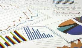 Análisis de gráficos de los datos Foto de archivo libre de regalías