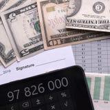 Análisis de pronósticos de indicadores económicos antes de firmar el acuerdo fotos de archivo