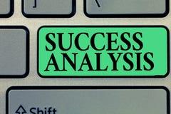 Análisis del éxito de la escritura del texto de la escritura Significado del concepto que crea el gráfico para determinar aumento imágenes de archivo libres de regalías