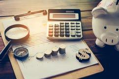 Análisis financiero de la planificación financiera del negocio para Gro corporativo fotografía de archivo libre de regalías