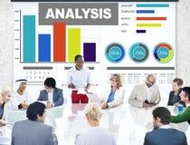 Análisis que analiza concepto del statisitc de los datos del gráfico de barra de la información Imagen de archivo libre de regalías