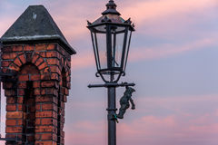 Anão em uma lâmpada Fotografia de Stock Royalty Free