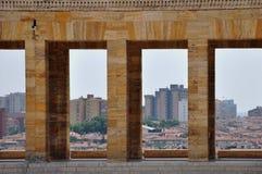 Anıtkabir,穆斯塔法凯末尔Atatà ¼ rk陵墓  (安卡拉在背景中) 免版税库存照片