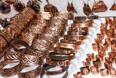 Anéis, brincos e pendents lembranças em Bósnia Fotos de Stock