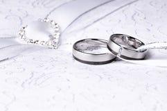 Anéis de casamento Imagens de Stock Royalty Free
