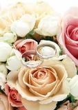 Anéis de casamento Imagens de Stock