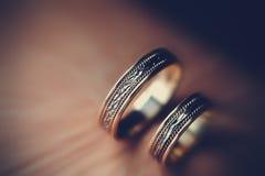 Anéis de casamento dourado do vintage Fotografia de Stock