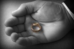 Anéis de casamento mim imagens de stock royalty free