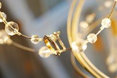Anéis de casamento para newlyweds imagens de stock