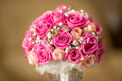 Anéis e flores Foto de Stock