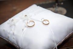 anéis para o casamento Imagens de Stock Royalty Free
