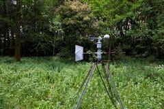 Anémomètre (matériel de météorologie) Photographie stock libre de droits