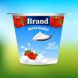Anúncio do iogurte do sabor da morango, com elementos do espirro do leite e da morango, ilustração 3d ilustração stock