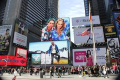 Anúncio nas épocas Square.NYC Fotos de Stock