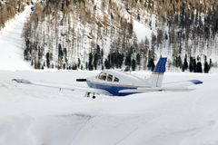 Free An Airplane In The Snow Covered Landscape Stock Photography - 101582132