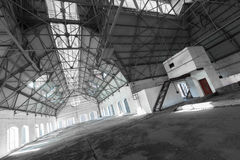 Free An Empty Desolate Industrial Building Inside Royalty Free Stock Photo - 37609185