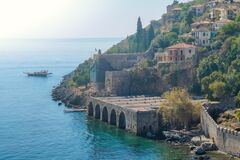 Free An Old Shipyard And The Walls On The Seafront In The Center Of Alanya Stock Photos - 182855493