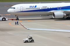 ANA Boeing 767 Royalty Free Stock Photography