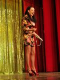 Ana Maria Donosa en etapa en Constantin Tanase Magazine Theater imagenes de archivo