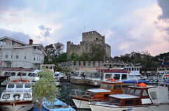 Anadolu Hisar και αλιευτικά σκάφη Στοκ Φωτογραφία