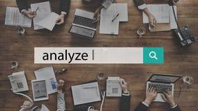 Analice el concepto de proceso de las estadísticas de Strategize del plan foto de archivo libre de regalías