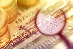 Analice los datos del mercado de acción y del dinero de la ganancia fotos de archivo