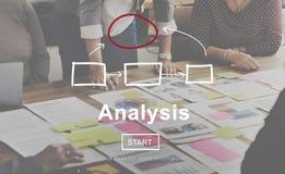 Analiza Analizuje Egzaminacyjnego dane informaci pojęcie zdjęcia stock