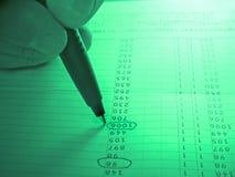 Analizar una columna de los números Foto de archivo libre de regalías