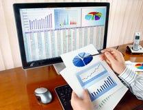 analizing的数据 免版税图库摄影