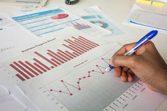 Analizować raporty medycznych obraz stock
