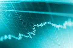 Analizzare di riserva Esamini in controluce il grafico del grafico del bastone del commercio di investimento del mercato azionari royalty illustrazione gratis