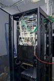 Analizzatore del cavo di Digital sui server fotografia stock libera da diritti