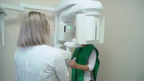 Analizzatore e paziente dentari dei raggi x archivi video