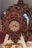 Analog klocka för träverk Arkivfoto