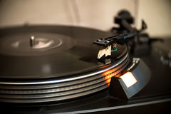 Analoge Draaischijf Vinylplatenspeler Stock Afbeeldingen