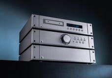 Analoge Muziek Stereo Audioversterker en Tuner stock foto