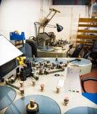 Analoge redigierende Maschine des Films für das Studio mit 35 Millimeter-Filmen Stockfotografie