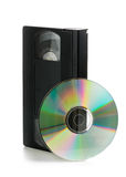 Analoge Videokassette mit DVD-Diskette Stockfotografie