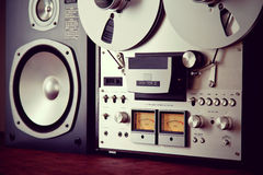 Analogowego stereo rolki taśmy pokładu pisaka VU metru Otwarty przyrząd Fotografia Stock
