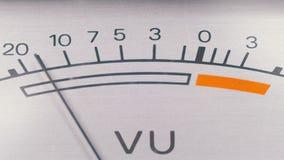 Analogowego sygnału wskaźnik z strzałą Metr audio sygnał w decyblach zdjęcie wideo