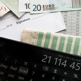 Analys av marknaden för avsikten av besparingar för lönande investering arkivfoto
